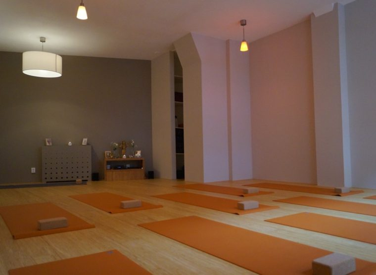 Thrive yoga studio zaal